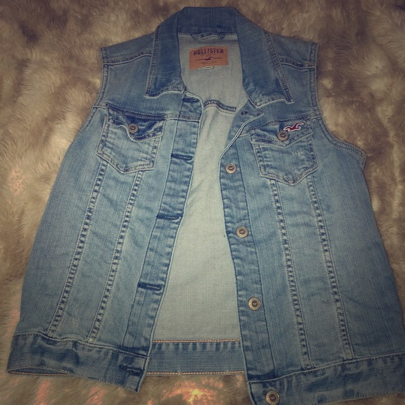 Hollister Jackets & Blazers - Light-wash denim Hollister vest